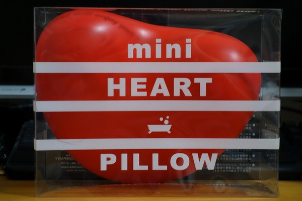 01_mini_heart_pillow.jpg